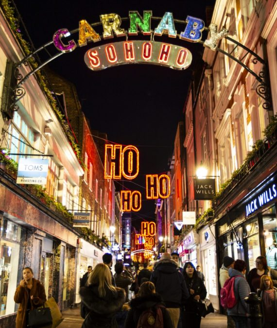 Carnaby Street Christmas Shopping Event 044